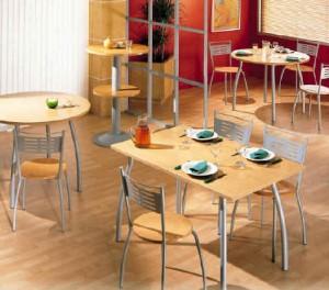 įvairūs kavinės baldai